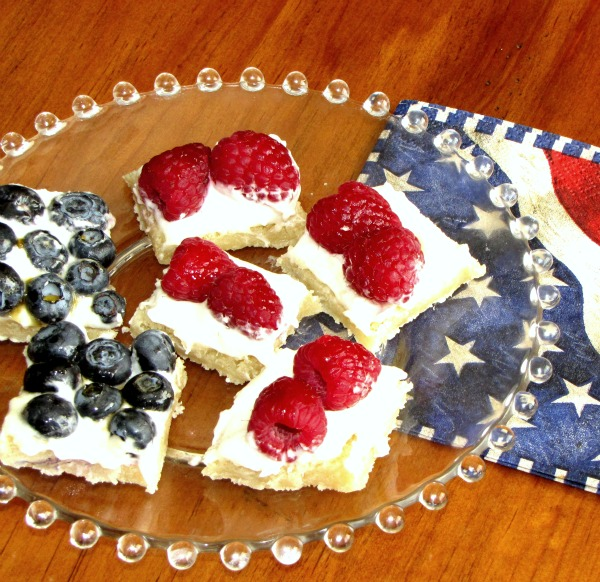flag fruit pizza plated